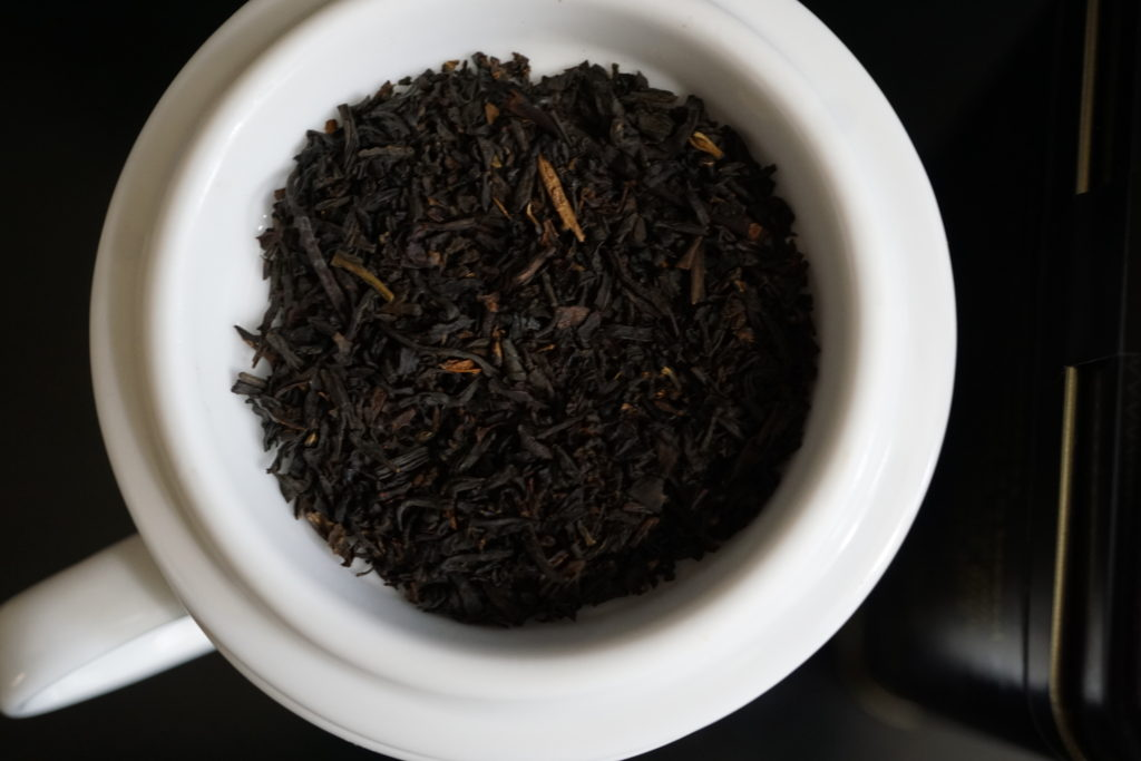 Harney and Sons Paris Black Tea and Fruit Blend Photo 3