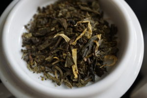 Thes de la Pagode Edition Prestige Dragon Fruit and Marigold Green Tea Bag Image 4