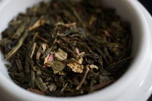 Thes de la Pagode Vanilla and Cherry Blossom Green Tea Blend Image 2