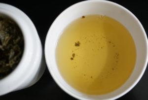 Thes de la Pagode Vanilla and Cherry Blossom Green Tea Blend Image 4